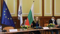 Марияна Николова: Украинските туристи ще пътуват за България също при облекчени условия
