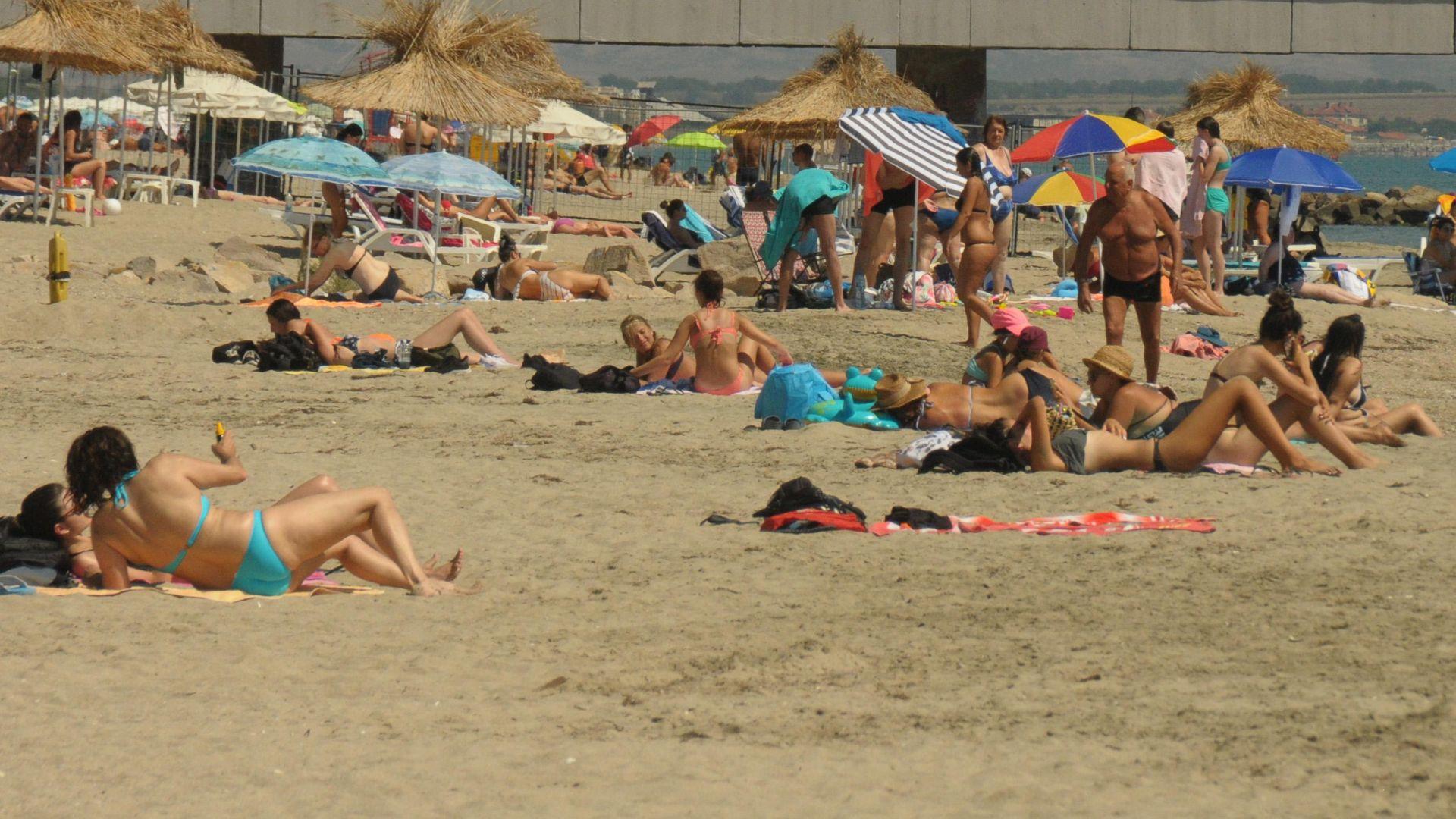 Българите спасили летния сезон на морето