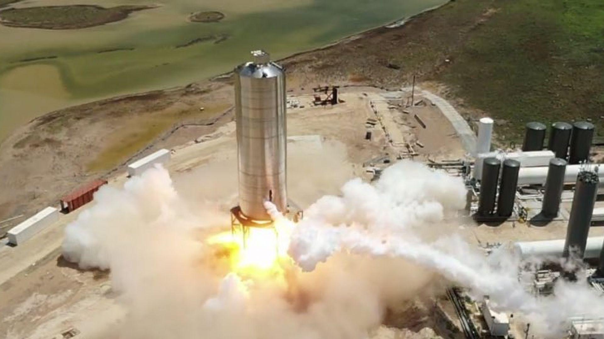 SpaceX успешно тества прототипа на най-голямата си ракета