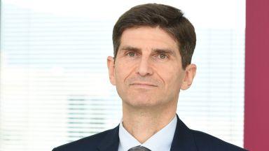 Председателят на УС на Райфайзенбанк-България пред Dir.bg: Банките са част от решението в кризата