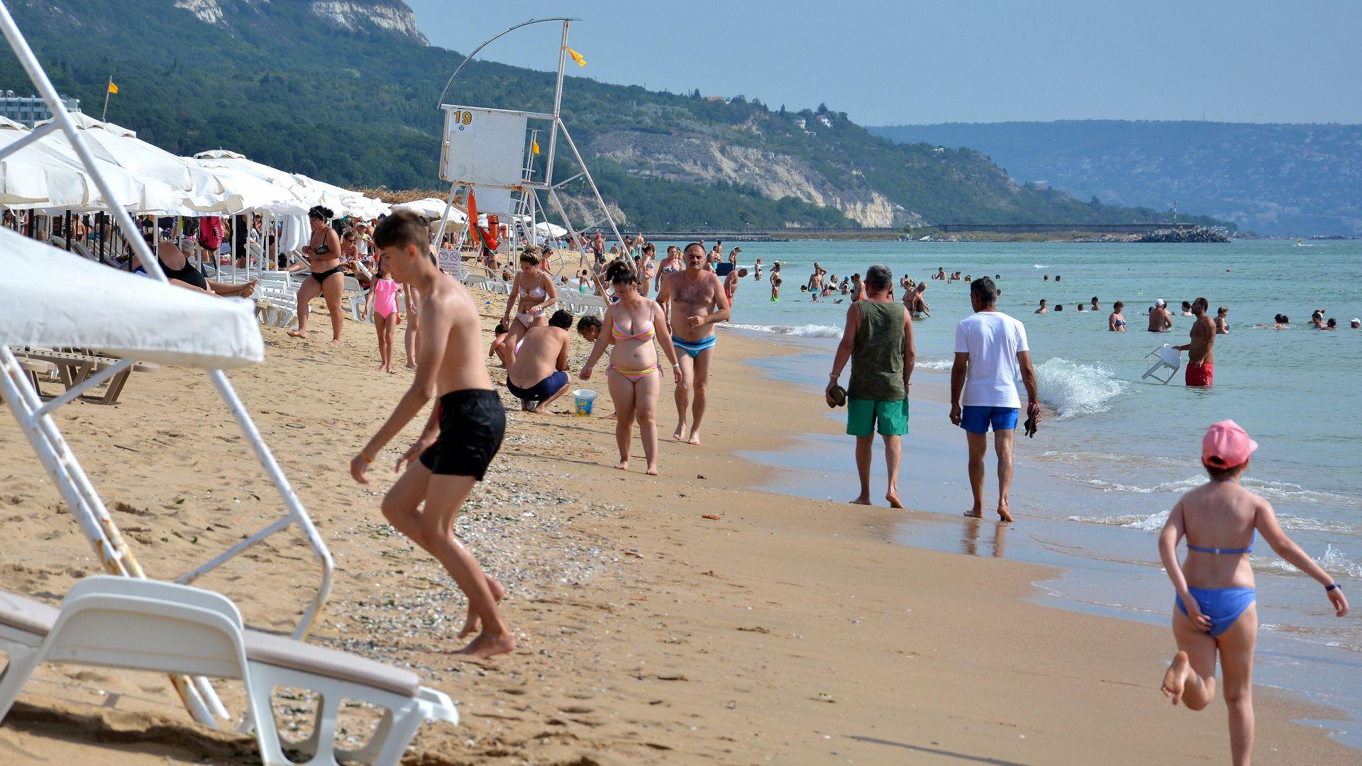 От Златни пясъци опровергаха германски репортажи за купони без маски и дистанции