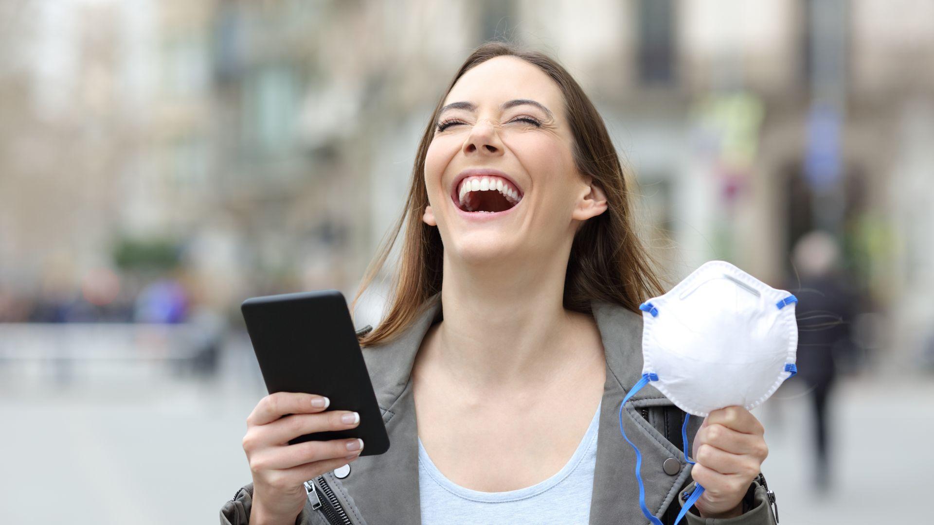 Швейцарски учени: Честият смях действа като буфер срещу стреса