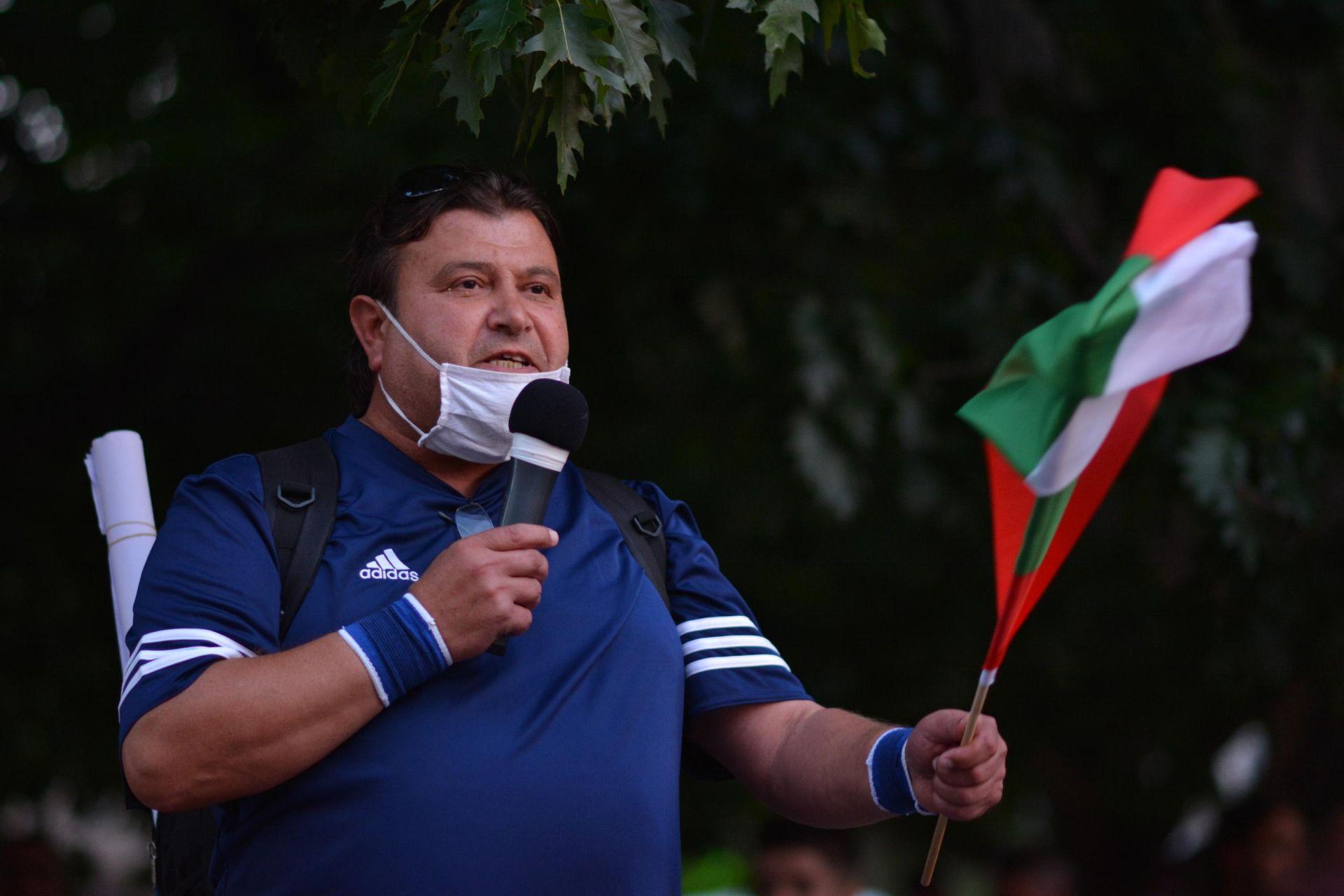 Протестиращият Владимир Генов е обявил гладна и жадна стачка
