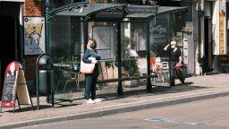 Пандемията завладява Европа - в Брюксел магазините ще затварят в 20 ч.