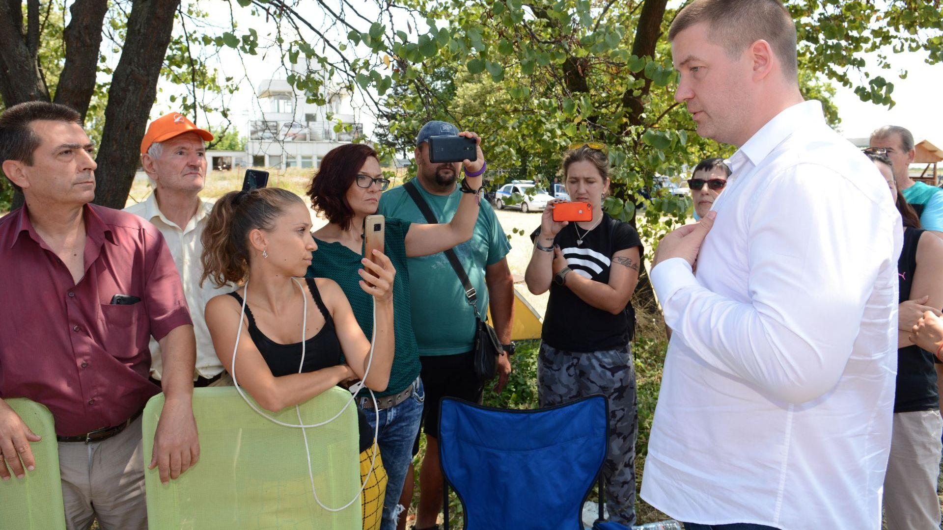 Кметът на Стара Загора на блокадата: Не е ли обидно да държите заложници? (снимки)