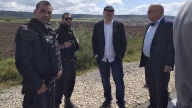 12 задържани при спецакция във Варненско, Гешев отиде на място