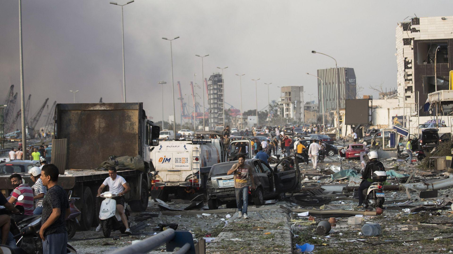 Адът в Бейрут: Било е като при трус от 4.5 по Рихтер, генерали от САЩ подозират военна атака