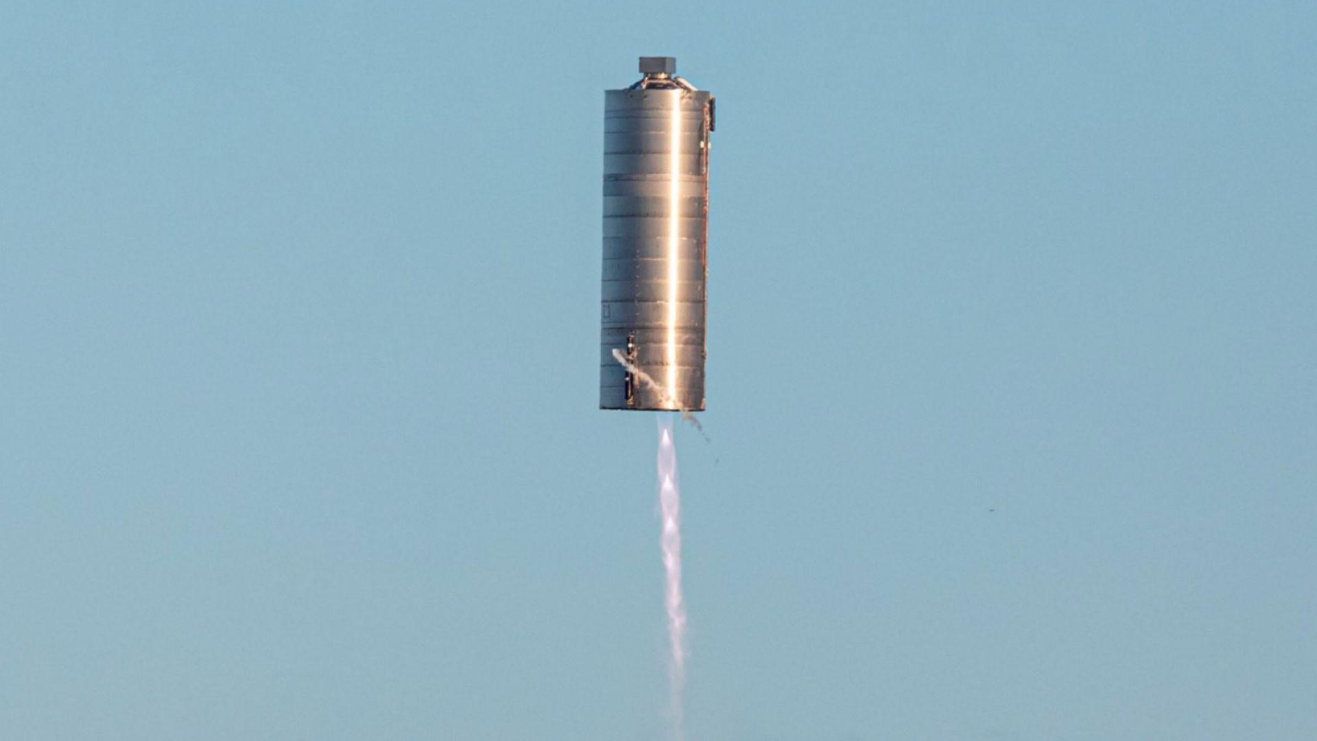 Прототипът Starship SN5 успешно осъществи своя първи полет