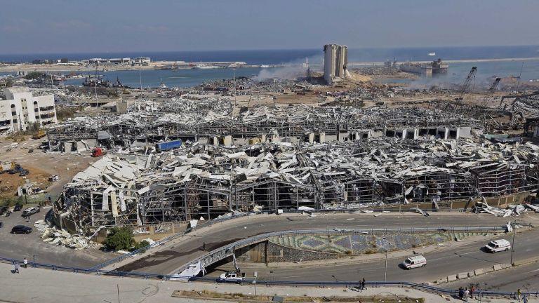 Изливат милиарди евро за възраждане на взривеното пристанище в Бейрут