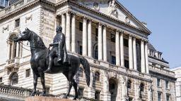 Bank of England: Сривът е по-малко жесток от очаването