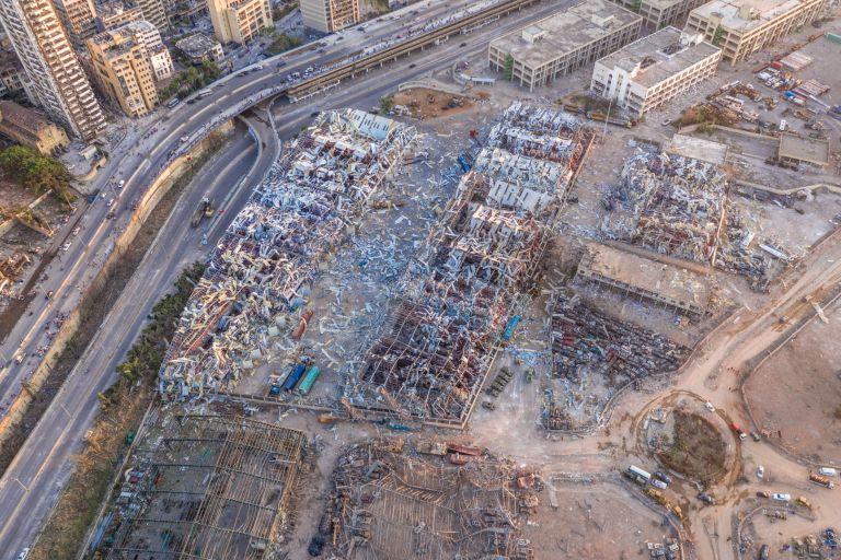 Огромен взрив на 4 август изравни със земята голяма част от пристанищните съоръжения на Бейрут