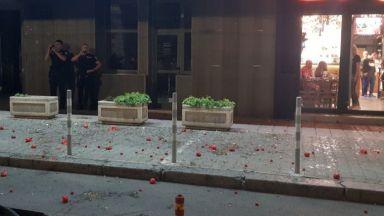 29-и ден на протести: Яйца и домати полетяха към сградата на НФСБ в София (снимки)