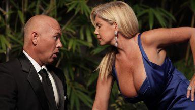 Гладните мъже си падат по жени с големи бюстове