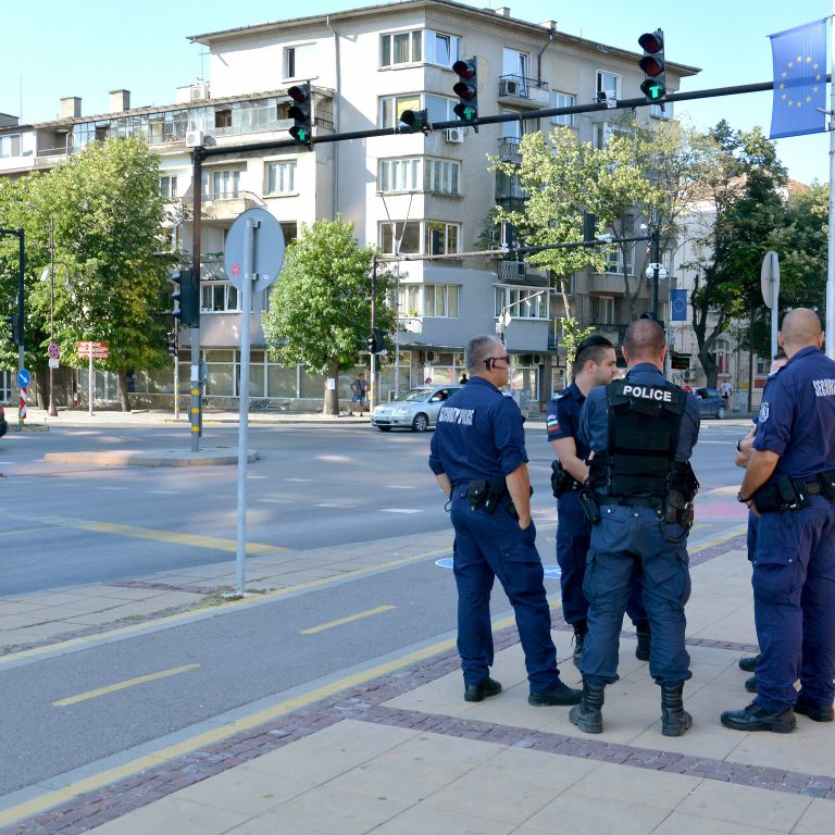 Двама задържани при премахването на блокадата във Варна (снимки)