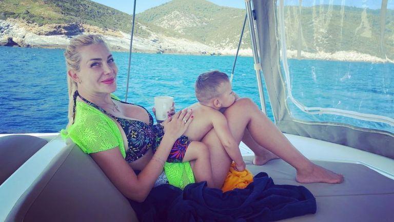 Антония Петрова плава с яхта из гръцкия архипелаг Спорадите