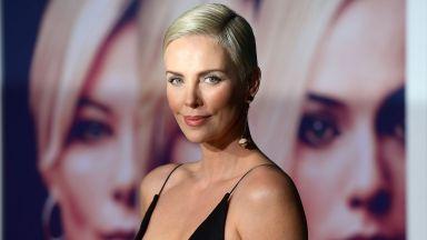 """Чарлийз Терон – една красива и опасна """"атомна"""" блондинка на 45"""