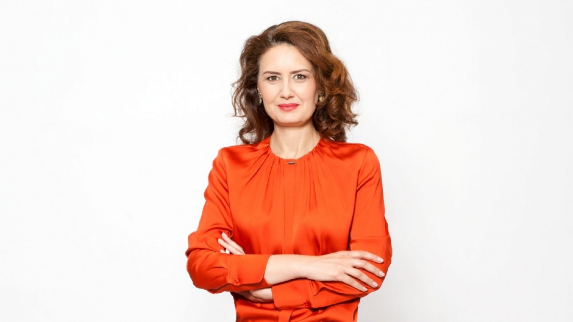 Кристина Баксанова пред Dir.bg: Европа говори за коронавируса и протестите у нас