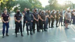 30-ият ден на протести започна с опити за две блокади и задържан