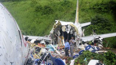 Броят на починалите при самолетната катастрофа в Индия достигна 20 души