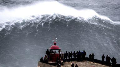 Да яхнеш Гигантската вълна под Северния фар (Галерия)