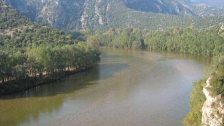 Река Струма отново тече кафява в Перник
