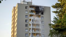 11 мъртви и 10 ранени при пожар в жилищен блок в Чехия (видео)