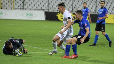 """""""Моряците"""" изкопчиха точка на стадион """"Славия"""" с последния удар"""