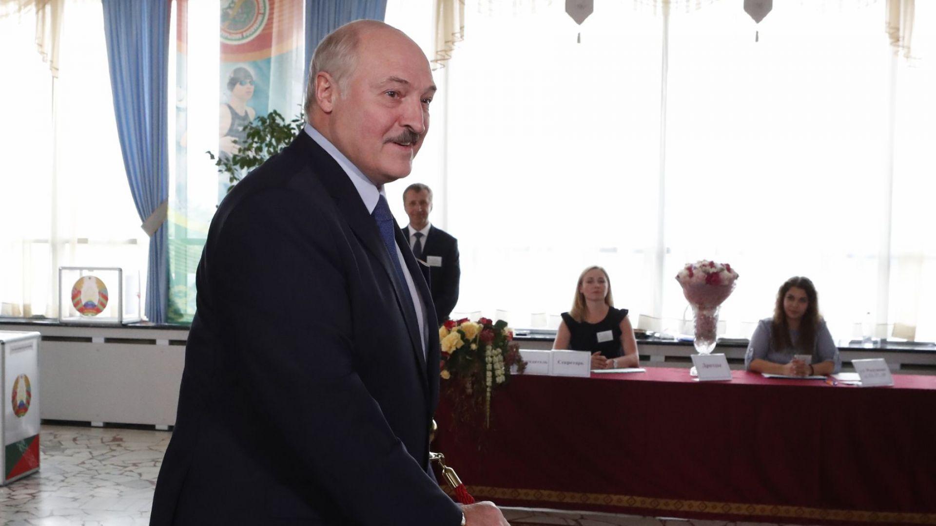 Лукашенко отвръща на налагането на нови санкции от ЕС, гледа към Русия