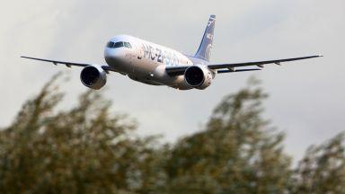 Русия тества новия си пътнически самолет