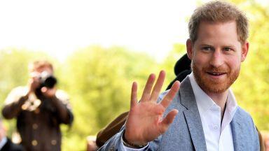 Принц Хари ще отпразнува рождения си ден с Дейвид Фостър, когото възприема за свой баща
