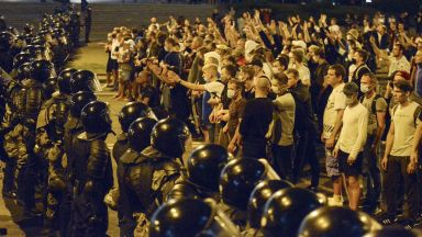 Беларуската милиция влезе в нови сблъсъци с демонстранти