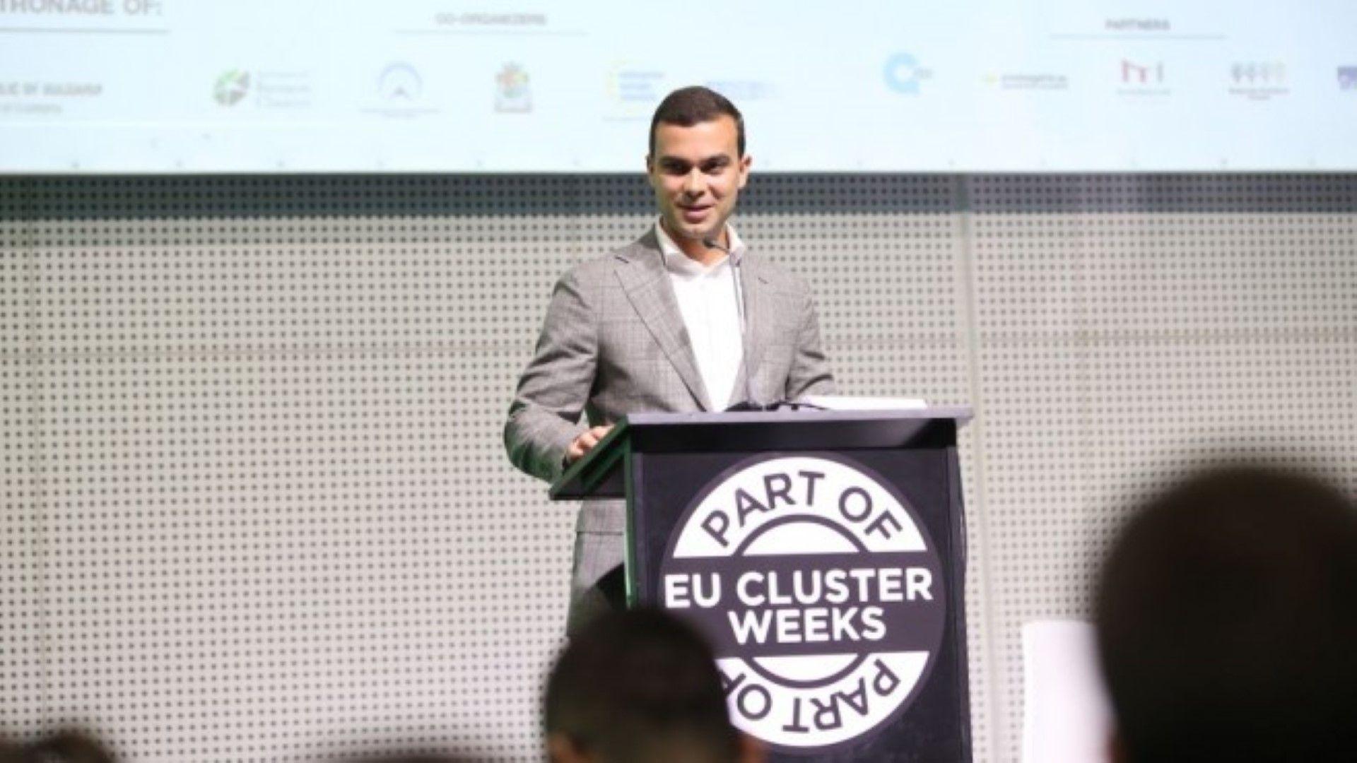 Бойко Таков: Ваучерите ще подпомогнат МСП да направят още една стъпка към тяхната дигитализация