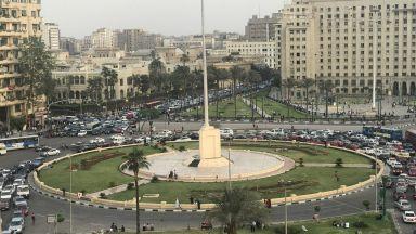 """Древни паметници украсиха площад """"Тахрир"""" в Кайро"""