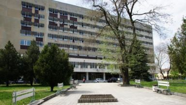 Две жени - гастроентеролози лекуват болните от коронавирус в Добрич