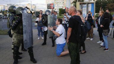 Сблъсъци в Беларус, спецчасти срещу протестиращите в Минск (видео)