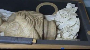 Иззеха още 268 антики в гараж и абонатна станция в офиса на Божков (видео)