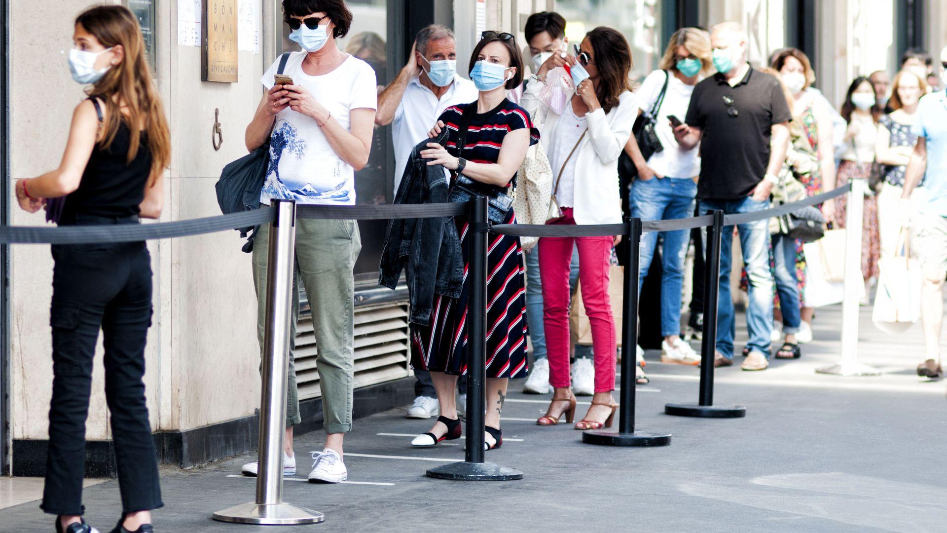 Родители и медици искат връщане на задължителни маски на открито, експертите решават