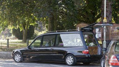 Погребалните услуги на Острова с безпрецедентен растеж заради от COVID-19