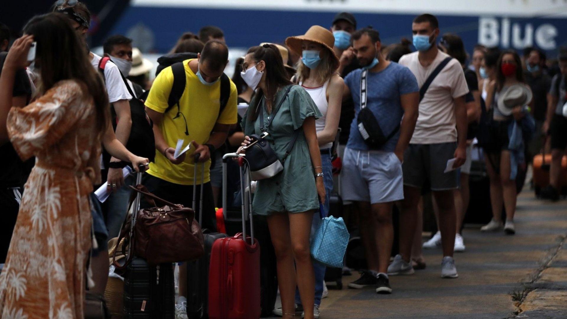 За туристите в Гърция става все по-трудно