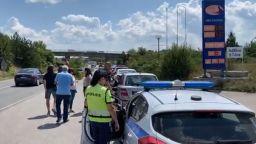"""Оглавени от Минчо Спасов и отец Дионисий протестиращи блокираха пътя за  """"Калотина"""""""
