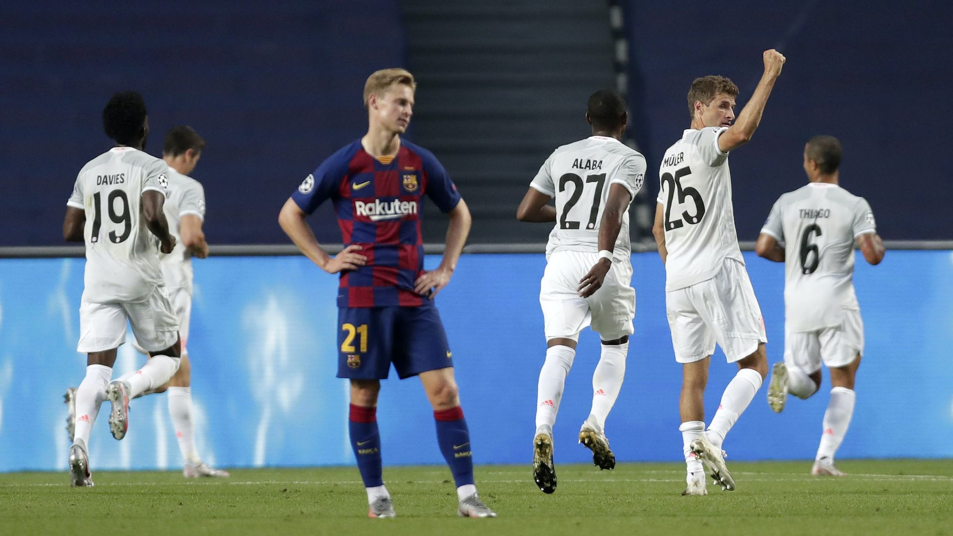 Байерн написа черна страница в историята на Барселона с 8:2