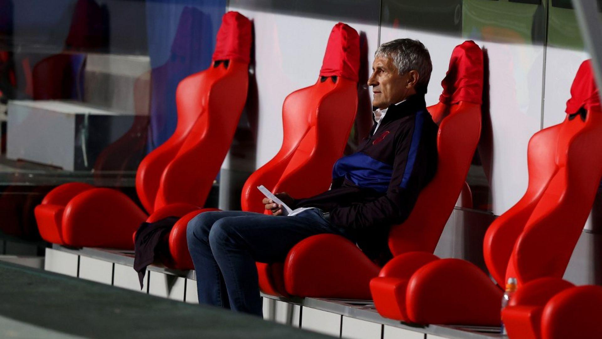Барса уволни официално треньора, преговаря с новия и сложи на сергията 12 играчи