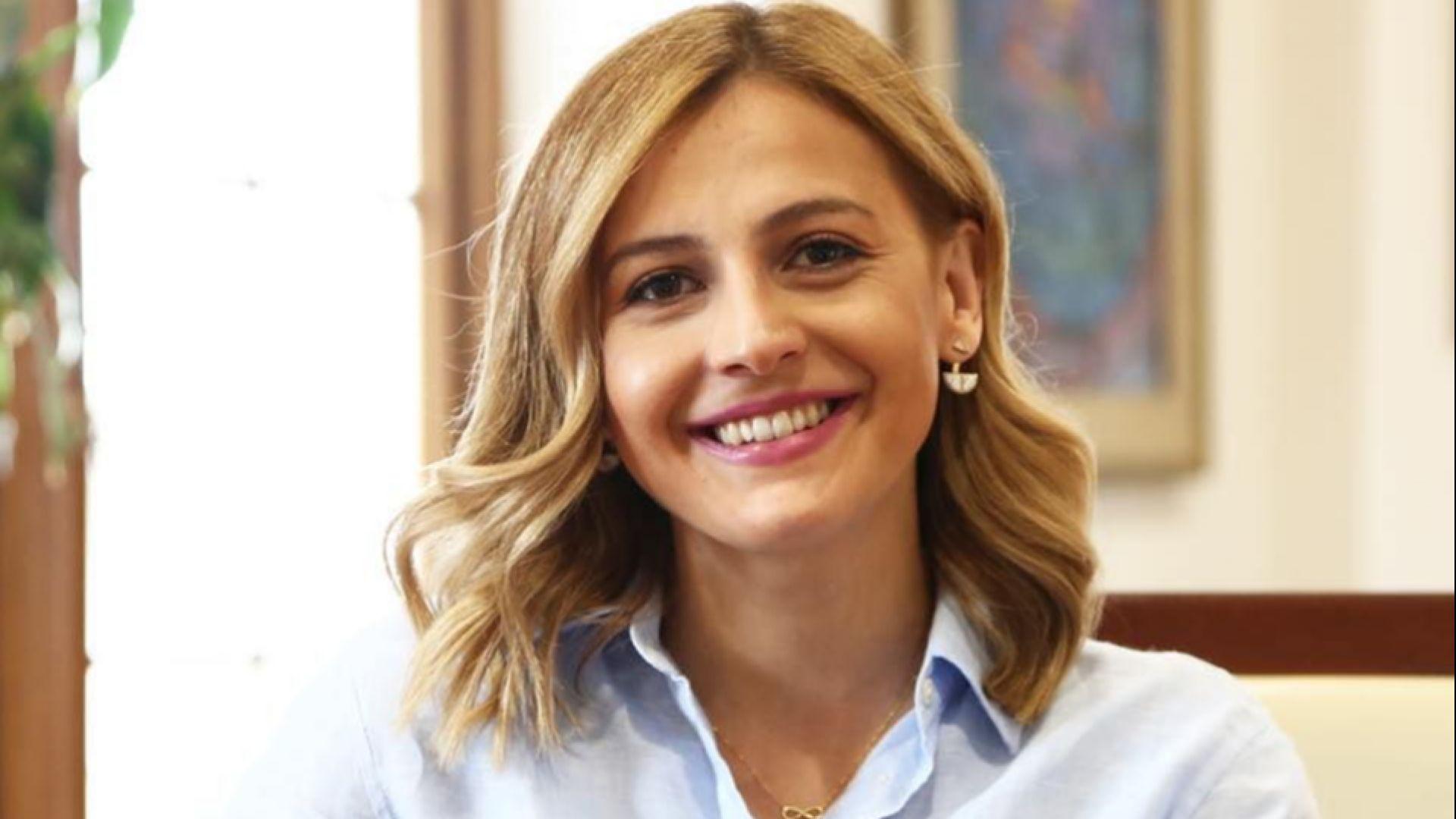 В Скопие разследват финансовата министърка, изтеглила парите си от банка преди тя да фалира