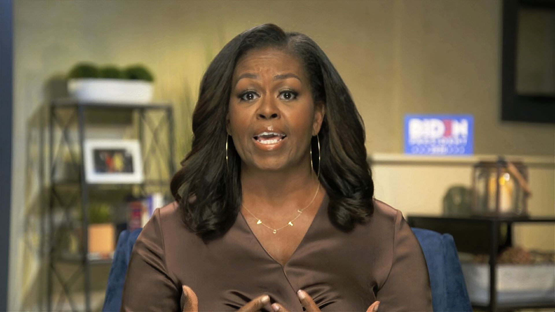 "Мишел Обама интервюира младата поетеса Аманда Горман за сп. ""Тайм"""