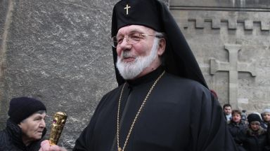 Доростолският митрополит Амвросий почина от коронавирус