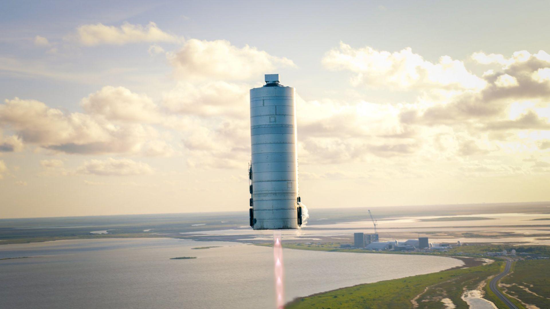 Марсианската ракета на SpaceX полита в стратосферата