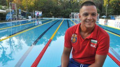 Феноменалният Цанко Цанков го направи! Подобри световния рекорд за 12-часово плуване