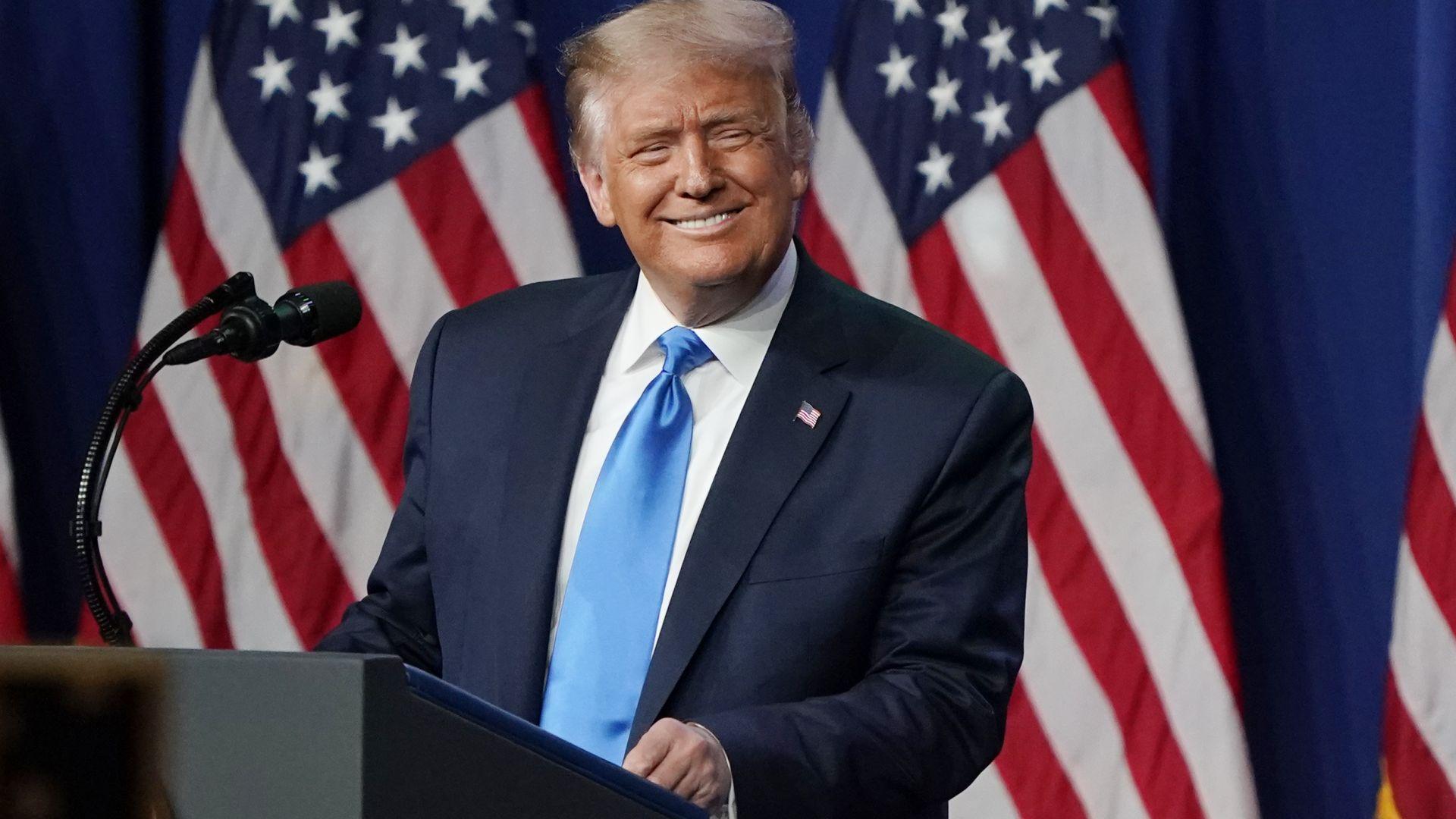 Тръмп: Биткойнът е измама срещу долара