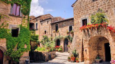 Изоставени италиански села примамват туристи с безплатни нощувки (видео)