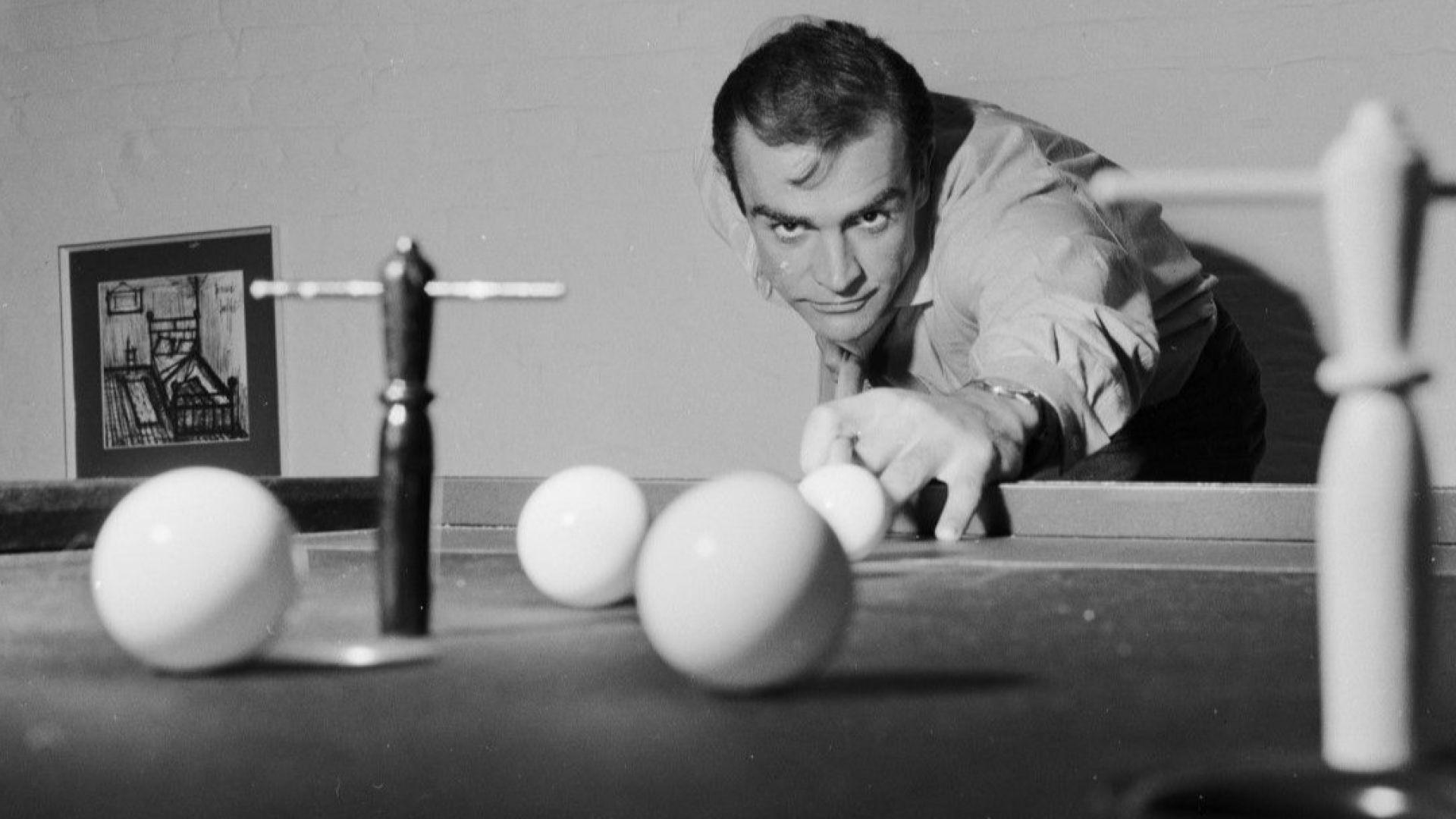 """Шотландска партия отдава почит към Шон Конъри с """"вечна"""" членска карта 007"""